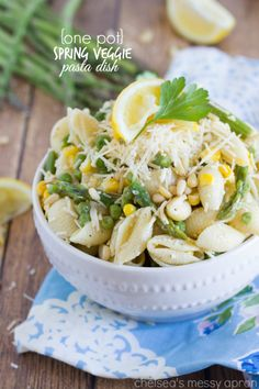 Spring is officially here and what better way to celebrate than with this delicious one pot pasta? This spring veggie pasta dish is loaded with asparagus, corn and a lemony dressing that's light and refreshing!