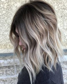 Blonde ombre short hair, sombre hair color, balayage hair ash, ashy hair, p Blonde Ombre Short Hair, Brown Blonde Hair, Dark Blonde, Highlights Short Brown Hair, Dark Hair, Dark To Blonde Balayage, Balyage Short Hair, Brown Hair With Blonde Balayage, Cool Blonde Highlights