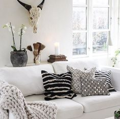 blog — peastyle Shared Rooms, Interior Design Services, Service Design, Love Seat, Couch, Throw Pillows, House Styles, Bed, Inspiration