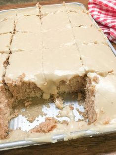 Buttermilk Texas Sheet Cake with vanilla is a delicious dessert to make for a birthday party, church potluck, or any holiday. The rich frosting is perfect with the cinnamon and vanilla flavoring. You are going to love this recipe. Frosting Recipes, Homemade Frosting, Butter Frosting, Homemade Cakes, Food Cakes, Cupcake Cakes, Cupcake Toppers, Tiramisu Dessert, Puddings