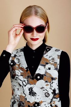"Fall's Best Eyes, Lips, Nails — & Sunglasses #refinery29  http://www.refinery29.com/2015/11/96872/fall-makeup-sunglasses-trends#slide-9  Shiny, Angular Liner & Bold LipsIf you know one thing about us, you know that we don't care too much about beauty rules. Neither does Bower: ""You can do a bold eye and bold lip,"" she says. The important thing is choosing the right color combo and keeping the application as clean and precise as possible.<a href=""http://creaturesofthewind.com/collection/s..."
