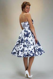 SETRINO® Couture aus Berlin | Schulterfreies kurzes Standesamtskleid blumig weiss-blau mit Petticoat, auch mit Trägern lieferbar.