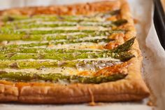 Dinner party perfect - Asparagus and Gruyere Tart from Shoots & Roots #nom