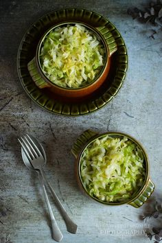 ...konyhán innen - kerten túl...: Tavaszi káposztasaláta Palak Paneer, Hummus, Ethnic Recipes, Food, Essen, Meals, Yemek, Eten