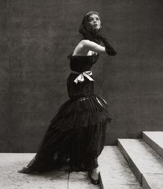 Richard Avedon; Suzy Parker, Paris August 1952
