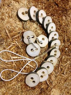 Wooden Threading Buttons – Treebranch Kids