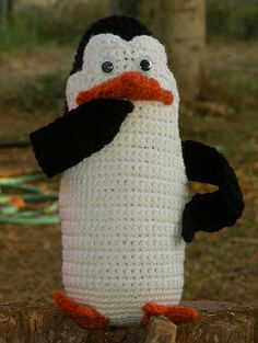 Kowalski By Linda Potts - Free Crochet Pattern - (wolfdreamer-oth.blogspot)