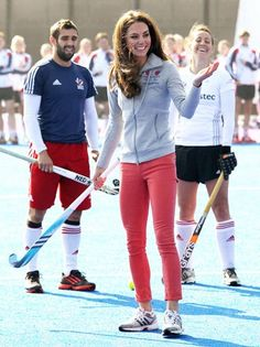 4496ab2e2b3 Kate Middleton Photos - Catherine, Duchess of Cambridge tries her hand at  field hockey as she meets the men's and women's GB Hockey Team at the  Riverside ...