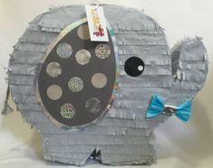 Bebé elefante Pinata es una piñata de niño