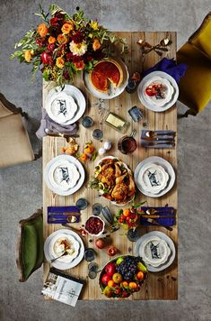 Aerial view of a Thanksgiving tablescape. Flowers by Sullivan Owen - More wonders at www.francescocatalano.it