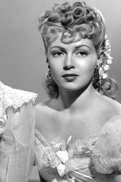 """Lana Turner (b. 1921 - d. Actress who starred in movies, such as """"The Postman Always Rings and """"Imitation Of Hollywood Icons, Old Hollywood Glamour, Golden Age Of Hollywood, Vintage Hollywood, Hollywood Stars, Hollywood Actresses, Classic Hollywood, Lana Turner, Classic Actresses"""