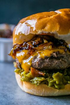 Green Chili Whiskey Onion Burger - Green chili whiskey onion burgers are rich, smoky, sweet, and a little spicy - with no grill needed! Tons of southwestern flavor in every bite. Onion Burger, Burger And Fries, Beef Burgers, Good Burger, Amazing Burger, Grilling Recipes, Beef Recipes, Cooking Recipes, Grilled Hamburger Recipes