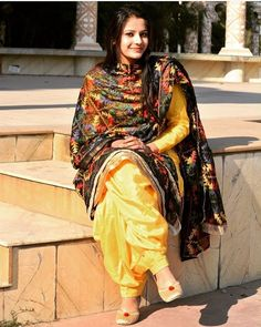 Yellow silk suit with black phulkari Indian Look, Dress Indian Style, Indian Wear, Indian Fashion Designers, Indian Designer Outfits, Indian Outfits, Indian Dresses, Patiala Salwar Suits, Punjabi Suits