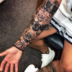 Sleeve tattoos are men& favorite. Because sleeve tattoos are beautiful and artistic. Although the idea of finding the best sleeve tattoos is challenging, there are so many excellent designs to choose from. We believe that by showing the best and mo Half Sleeve Tattoos For Guys, Half Sleeve Tattoos Designs, Hand Tattoos For Guys, Full Sleeve Tattoos, Tattoo Designs Men, Sleeve Tattoo Men, Mens Leg Tattoo, Best Tattoos For Men, Tatto Man
