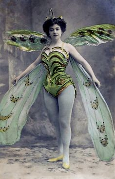 Butterfly Fairy Blank Note Card Proscenium Series Old Time Movie And Stage Divas by RTFX on Etsy Images Vintage, Vintage Pictures, Vintage Photographs, Vintage Art, Vintage Green, Ballerine Vintage, 3 4 Face, Victorian Fancy Dress, Butterfly Fairy