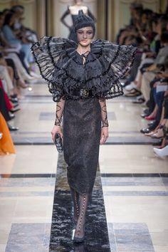 Giorgio Armani | Haute Couture - Autumn 2017 | Look 1