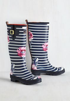 Splash the Time Rain Boot in Blossoms. En route to your destination with plenty of time to spare? #multi #modcloth