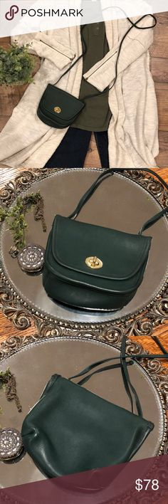 00f2e703133 Vintage Coach Everett 9934 Hunter Green Mini Purse Vintage Everett Coach!  Excellent Mint Condition!
