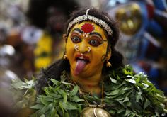 Hundreds of thousands of devotees have celebrated India's Bonalu festival. The Hindu festival is held in the name of Mahakali, the Goddess of power and occurs in the Hyderabad, Secunderabad, Telangana. Dj Remix Songs, Hindu Culture, Festivals Of India, Unity In Diversity, Folk Festival, Indian Art Paintings, Recent Events, Banner Design, Art Lessons