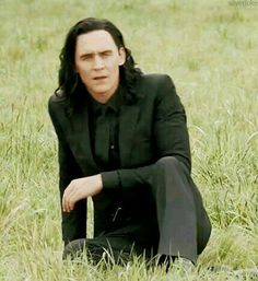 Loki/Hiddles/Thorki/Frostiron centric MY GIFS - all of them are located at bahboringsite Loki Thor, Loki Laufeyson, Tom Hiddleston Loki, Thomas William Hiddleston, Marvel Avengers, Loki Gif, Marvel Comics, Marvel Memes, Rpg Hogwarts