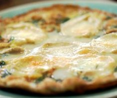 Goats' cheese frittata by Nigel Slater Frittata Recipes, Spinach Recipes, Perfect Pancake Recipe, Fruit Soup, Nigel Slater, Savory Pastry, Main Meals, Low Carb Recipes, Macaroni And Cheese