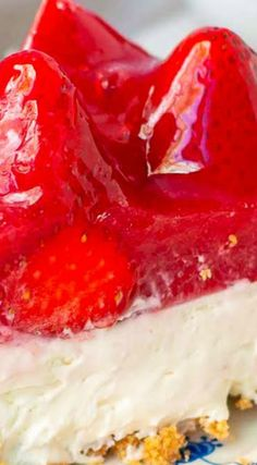 No Bake Strawberry Cheesecake ~ A simply made graham cracker crust filled with creamy, no bake cheesecake, and topped off with fresh strawberries smothered in cool, sweet gelatin.