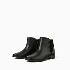 Image 4 of SCALLOPED LEATHER ANKLE BOOTS from Zara