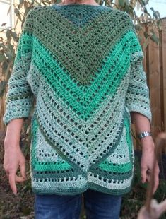Lindevrouwsweb: Haakpatroon Kroonluchter Alexia Crochet Granny, Crochet Top, Granny Square Tutorial, Baby Vest, Pullover, Stitch, Blanket, Pattern, Sweaters