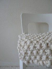 TJOCKT-Ylellistä paksua villaa Suomesta, lankaa, puikkoja ja valmiita tuotteita. IHAN HULLUA!   Designing super (SUPER) bulky wool