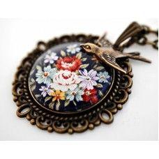 BOUQUET MOTİFLİ Vintage Tarzı kolye http://ladymirage.com.tr/kolyeler.html/bouquet-motifli-vintage-tarzi-kolye-60587331.html?limit=100 #buket #motif #çiçek #küpe #vintage #bronz #takı #tasarım #elyapımı