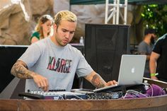 Pete be doing the dj station