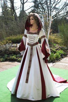 Medieval wedding dress, custom-made medieval gown from the Atelier Mit … Medieval Gown, Medieval Wedding, Gothic Wedding, Old Dresses, Elegant Dresses, Vintage Wear, Vintage Skirt, October Fashion, Steampunk Skirt