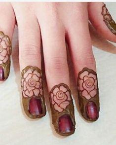 Mehndi designs House Beautiful house of the sleeping beauties Henna Hand Designs, Finger Mehndi Designs Arabic, Finger Mehndi Style, Rose Mehndi Designs, Stylish Mehndi Designs, Mehndi Design Pictures, Wedding Mehndi Designs, Mehndi Designs For Fingers, Latest Mehndi Designs