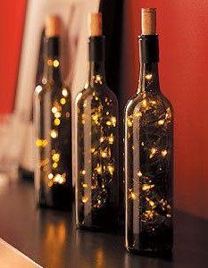 Iluminación de ambiente con botellas de vino