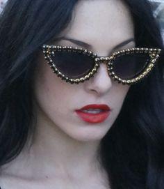 The Crystal Cult, Olivia Alexander