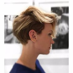 pixie haircut with blonde highlights