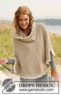 """Knitted DROPS poncho with large collar in """"Alpaca Bouclé"""". Size S-XL. ~ DROPS Design"""