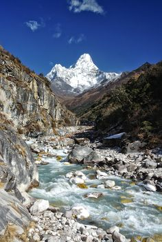 Clear skies over Ama Dablam ft) on the way to the Everest Base Camp in Nepal [OC] landscape Nature Photos Landscape Photos, Landscape Photography, Nature Photography, Memories Photography, Places To Travel, Places To Go, Snowy Woods, Everest Base Camp Trek, Nepal Trekking