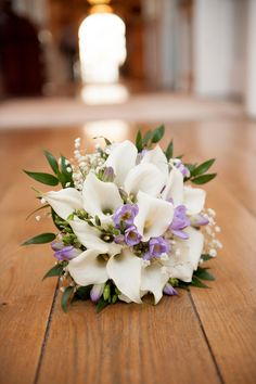 Christmas in Castle Durrow - Winter Wedding by Weddings by KARA White Lily Bouquet, White Lilies, Diy Wedding Bouquet, Wedding Flowers, Wedding Fair, Light Wedding, Wedding Ideas, Winter Light, Lilac Flowers