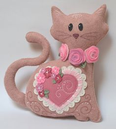 Felt Cat Plush - Pink Heart Wool Mix Felt with Intricate Embroidery and Appliqué Cat Crafts, Crafts To Make, Sewing Crafts, Sewing Projects, Bandeau Torsadé, Fabric Toys, Felt Cat, Felt Patterns, Toy Craft