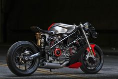 Ducati 749 by Gustavo Penna ©DR Ducati Custom, Custom Choppers, Custom Motorcycles, Custom Bikes, Tracker Motorcycle, Motorcycle Types, Chopper Motorcycle, Motorcycle Icon, Triumph Motorcycles