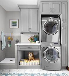 This is the Best Laundry Room Ideas On a Budget we ever seen. DIY Laundry Room Remodel Ideas for Organization, Storage, Small, Unique, and Narrow Mudroom Laundry Room, Laundry Room Layouts, Laundry Room Remodel, Laundry Room Cabinets, Laundry Room Organization, Diy Cabinets, Ikea Laundry, Laundry Room With Storage, Laundry Room Small