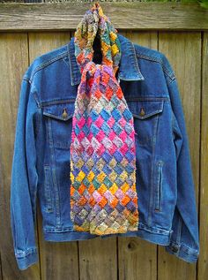 Patterned knit scarf