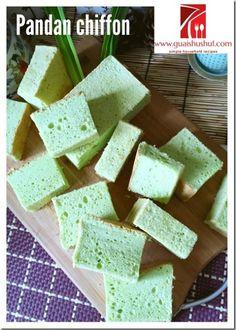 Pandan Chiffon Cake–Cooked Dough Method (烫面漆风蛋糕) Pandan Chiffon Cake, Pandan Cake, Christine's Recipe, Cotton Cake, Mug Cake Microwave, Light Cakes, Asian Desserts, Baking Tins, Other Recipes