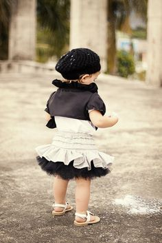 Little girl's skirt tutorial. Plus site has a bunch of other cute tutorials.