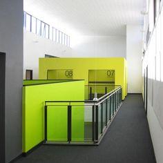 Interesting wayfinding, St. Joseph's Primary School / Paul Stallan Studio