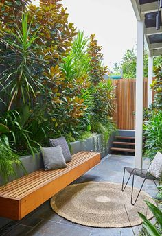The first thing I did when I bought a house This tiny inner city front garden was designed by Adam Robinson Design to feel like a welcoming oasis. Backyard Garden Design, Small Garden Design, Backyard Patio, Backyard Landscaping, Backyard Ideas, Tyre Garden, Tiny Garden Ideas, Small City Garden, Small Courtyard Gardens