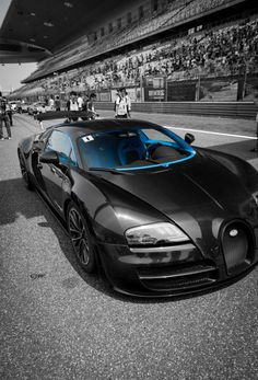 #Bugatti #Veyron getting ready to tear up the track!