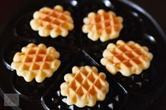 Waffles, Deserts, Sweets, Breakfast, Food, Diy, Cooking Recipes, Morning Coffee, Gummi Candy