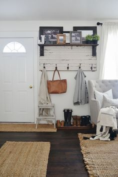Cool 65 Stunning Farmhouse Entryway Decorating Ideas https://wholiving.com/65-stunning-farmhouse-entryway-decorating-ideas